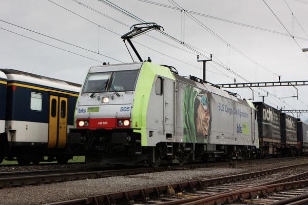 BLS Re 486 505, Oberrüti (04.04.2012) ©pannerrail.com
