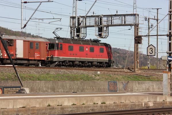 """Re 6/6 11625 """"Oensingen"""", Killwangen (06.04.2011) ©pannerrail.com"""