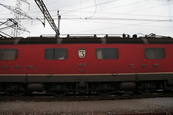 """Re 6/6 11676 """"Zurzach"""", Oberrüti (23.04.2012) ©pannerrail.com"""