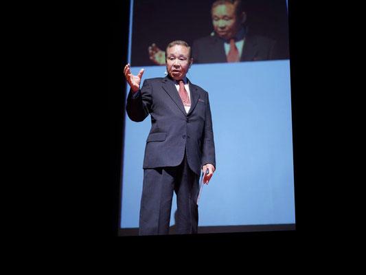 9:40 Masahiro Kuwata Keynote Speech << Trends in Dentistry in the World >>