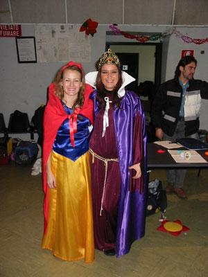 Viviana e Elena a un Carnevale dei furetti