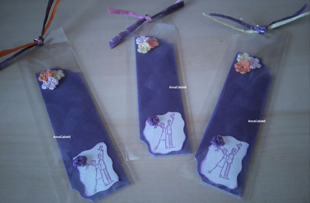 Puntos de libro de color lila recordatorios de boda.