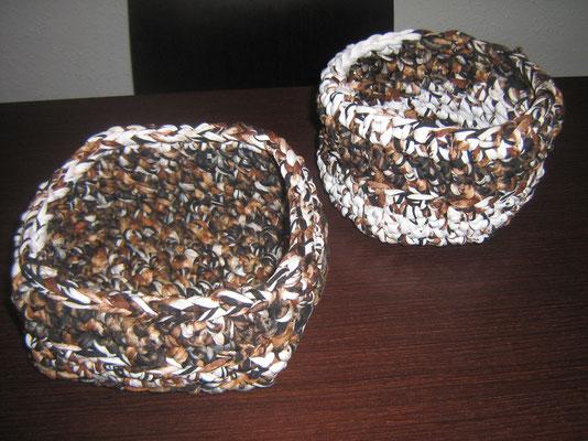 Cestas de trapillo - cuadrada y redonda- con color variado con TRAP-ART.
