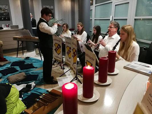 Adventssingen - Sing'ma im Schein der Kerzen - Holzmusi, Foto: S. Perzl