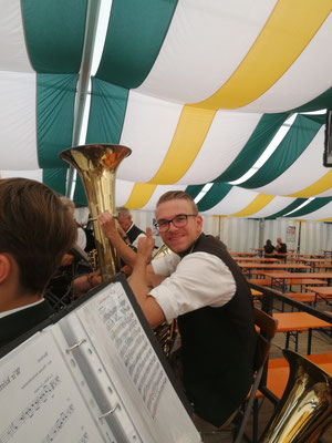 Seniorennachmittag am Riedenburger Volksfest - So sieht Motivation aus! Foto: Bernhard Köbler