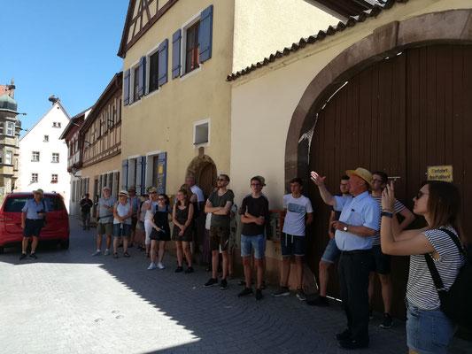 Stadtführung in Wolframs-Eschenbach; Foto: F. Aschenbrenner