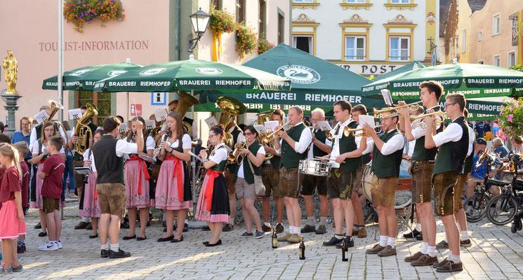 Volksfesteinzug Riedenburg; Foto: M. Arbesmeier