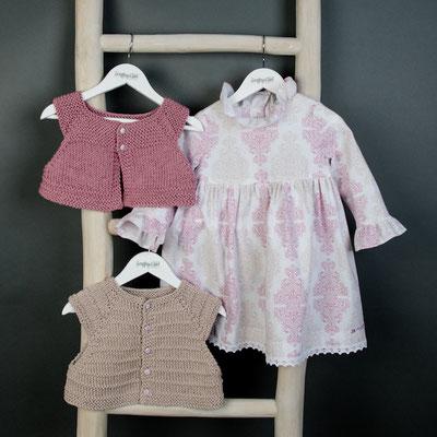 Strickwesten für Kinder passend zum Kinderkleid