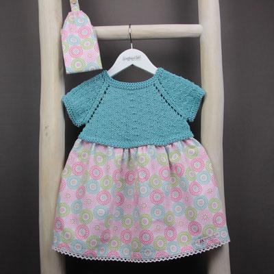 Kinderkleid gestrickt mit passendem Haarband
