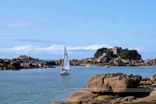 Côte de granite rose - arrivée dans le port de Ploumanac'h