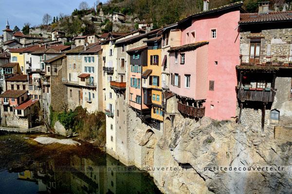 Pont-en-Royans, Village, Auvergnerhonesalpes, isère, maisons suspendues