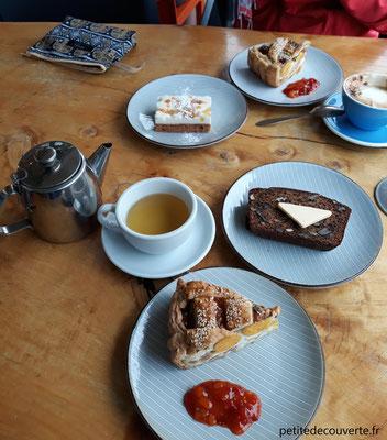 breakfast café hahei beach
