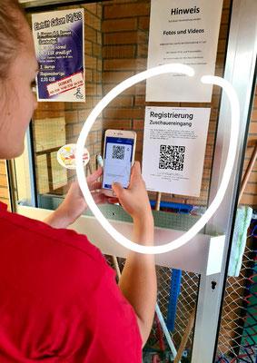 QR-Code scannen, um auf die Registrierungsseite zu gelangen