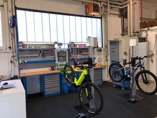 Service, Reparatur und Wartung Ihres e-Bikes bei den Experten der e-motion e-Bike Welt Bad Hall