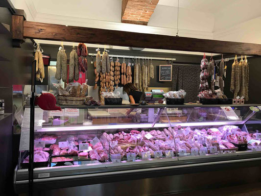 carne maiale suino punto vendita alba luiset
