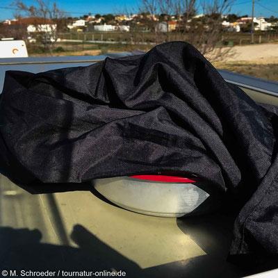 Hefeteig braucht Wärme: Sonne auf dem Wohnmobildach,