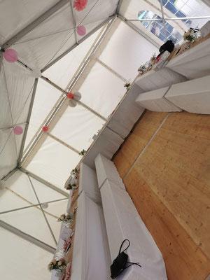 Innenansicht von einem Partyzelt 6x12 Meter