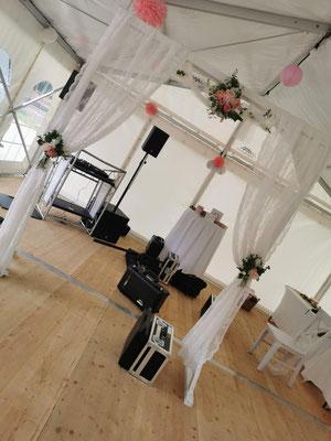 Musikanlage in einem Partyzelt 6x12 Meter
