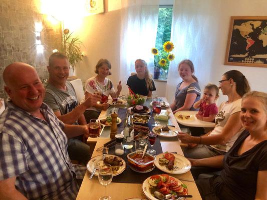 Sonntags-After-Putz-Feier im Casa Velandia :-)