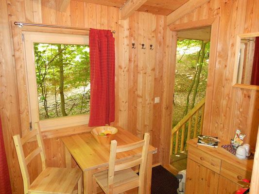 Baumhaus Freiraum, Innenansicht. Bild: Baumhaushotel Solling.