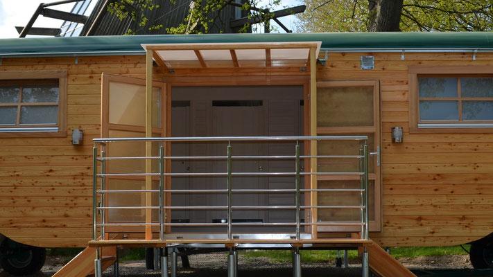 Mit sechs Duschen, unser Duschwagen. Bild: Baumhaushotel Solling