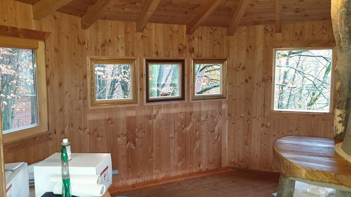 Drei neue Fenster mit tollen Rahmen.