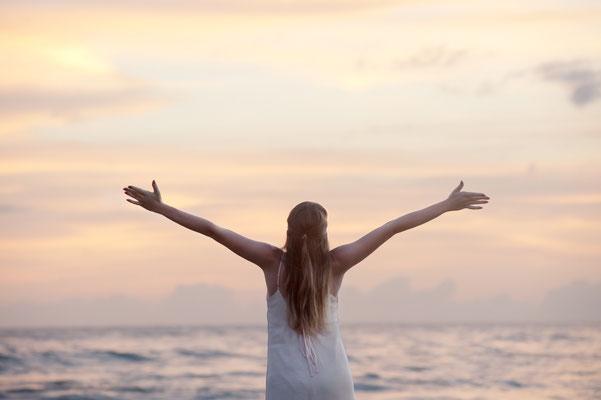 Entspannungstechniken und kleinen Massagen für körperliches Wohlbefinden