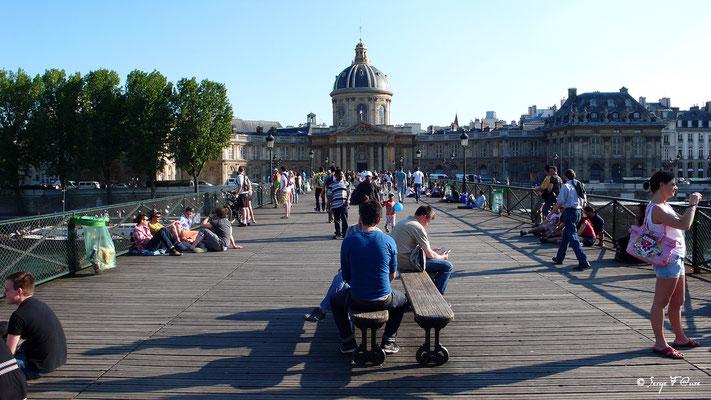Le Pont des Arts et l'Institut de France - Paris - France - 2010