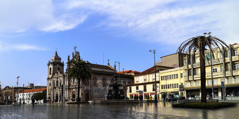 Eglise du Carmo (Carmel en français) - En déambulant dans les rues de la ville historique de Porto - Portugal