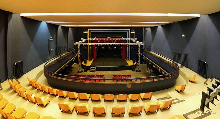 Théâtre dans la Mairie de La Bourboule - Auvergne - France