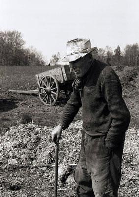 Paysan au champ (Auvergne) 1979