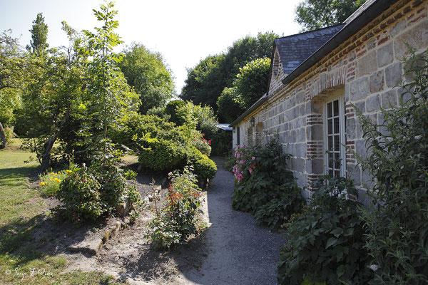 Jardin de la bibliothèque de Veules les roses - Pays de Caux - Normandie - France