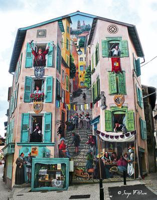 Fresque à l'angle du Faubourg St Jean et de la rue Droite au Puy en Velay - France - Sur le chemin de St Jacques de Compostelle (santiago de compostela) - Le Chemin du Puy ou Via Podiensis (variante par Rocamadour)