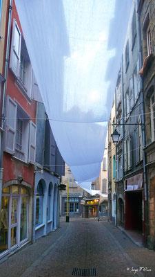 Rue St Gilles - Le Puy en Velay - France - Sur le chemin de St Jacques de Compostelle (santiago de compostela) - Le Chemin du Puy ou Via Podiensis (variante par Rocamadour)
