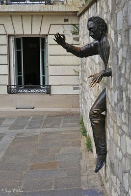 Le passe muraille - Montmartre - Paris - France - 2010