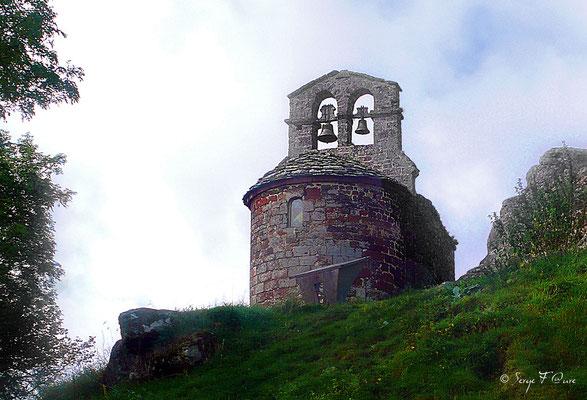 Chapelle de Rochegude - France - Sur le chemin de St Jacques de Compostelle (santiago de compostela) - Le Chemin du Puy ou Via Podiensis (variante par Rocamadour)