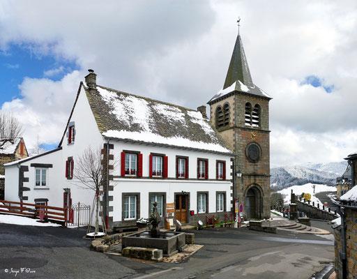La maison d'hôte de la fontaine à Murat le Quaire - Massif du Sancy - Auvergne - France