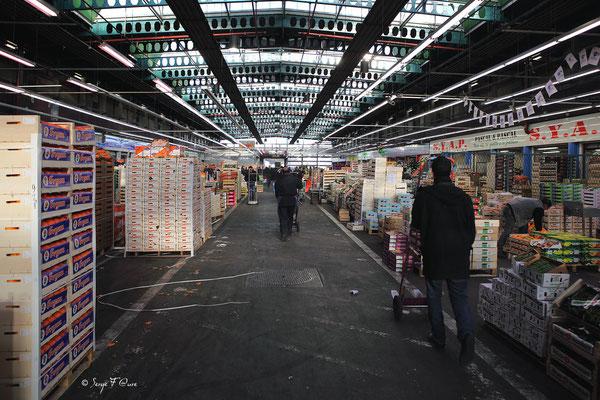 Halles aux fruits et légumes - Marché International de Rungis - France (Octobre 2012)