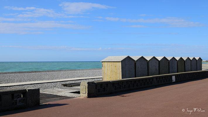 Les cabanes de plage de Dieppe (Dieppe - Haute Normandie - France - Juin 2012)