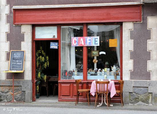 """""""Un p'tit café?"""" Foire de Giat - Auvergne - France (2017)"""