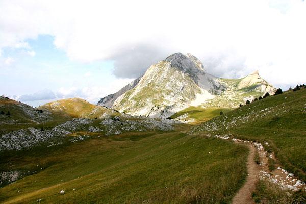 le Grand Veymont, à 2341 mètres d'altitude-Point culminent des Hauts Plateaux du Vercors-France- Août 2007