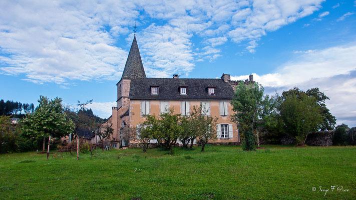 En allant vers Sénergues - France - Sur le chemin de St Jacques de Compostelle (santiago de compostela) - Le Chemin du Puy ou Via Podiensis (variante par Rocamadour)du Puy ou Via Podiensis (variante par Rocamadour)