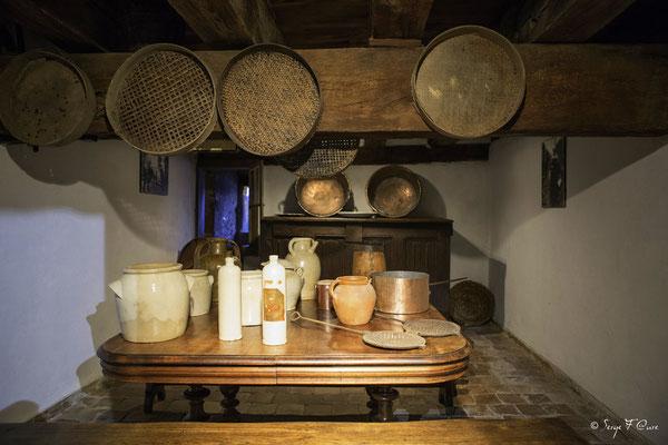 Les poteries - Château de Val à Lanobre dans le Cantal - Auvergne - France
