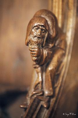 Fioriture sculptée en bois sur un instrument de Musique - Musée National du Moyen Âge - édifice situé au cœur du Quartier latin, dans le Ve arrondissement de Paris (France)