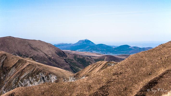 Le crêtes du Sancy - Vue sur le Puy de Dôme  - Le Mont Dore - Massif du Sancy - Auvergne - France