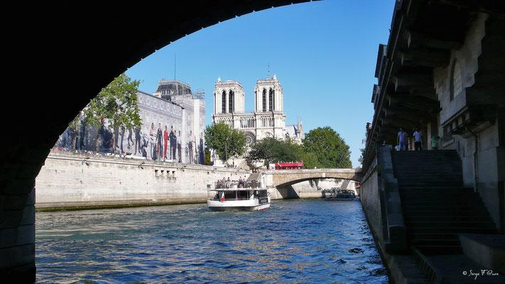 Cathédrale Notre Dame de Paris  - Paris - France 2009