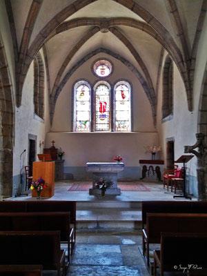 Cœur de l'église de Golinhac - France - Sur le chemin de St Jacques de Compostelle (santiago de compostela) - Le Chemin du Puy ou Via Podiensis (variante par Rocamadour)