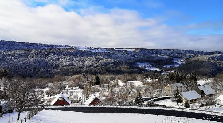 Paysage de neige à Murat le Quaire - Le Massif du Sancy - Auvergne - France