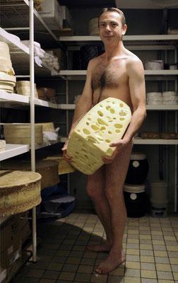 "Calendrier des Fromagers 2013 - ""Secrets de Fromages"" - Jean-Charles - (Nus / Nudes) ©Photographie Serge Faure"