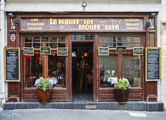 """""""Quartier Mouffetard - Paris - France"""" Façades et vitrines par Serge FaureFaçades et vitrines par Serge Faure"""